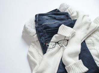 How to remove mold on clothes.