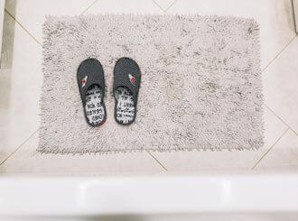 How to clean bath mats.